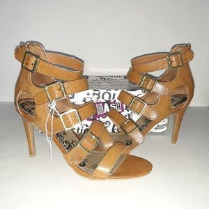 Brash Heeled Size: 8 Brown Strap Open Toed Shoes